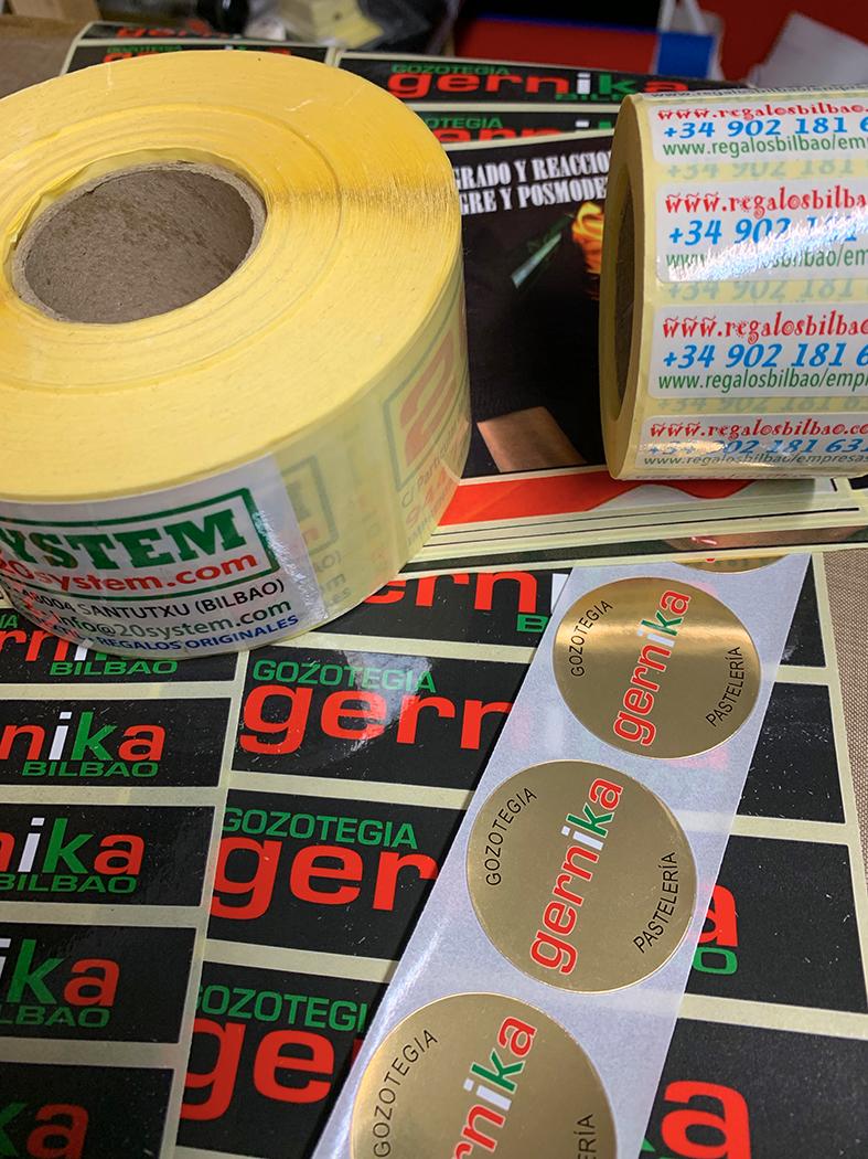 Varios tipos de adhesivos